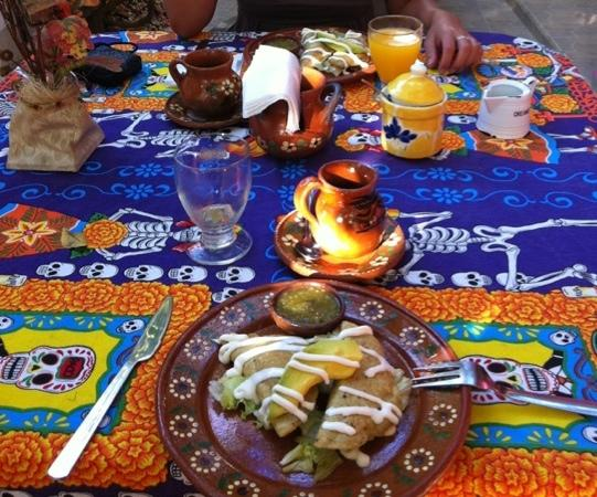 Casa Chalia: Caff, frutta e tacos! La colazione dei campioni!