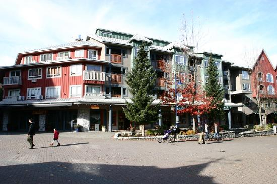 Whistler Town Plaza Suites: Exterior