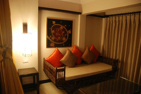 Burasari Resort: By the bed