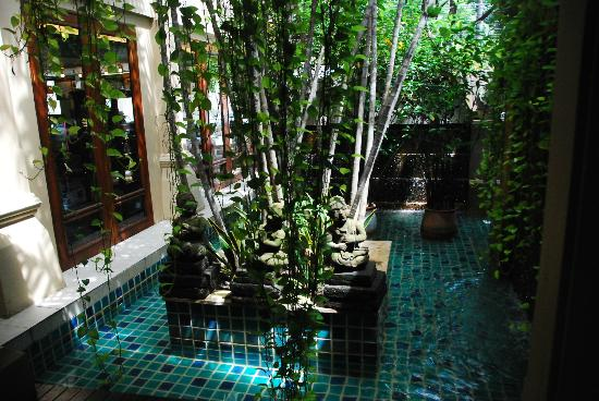 Burasari Resort: Inside the hotel. The hotel is an open air hotel.