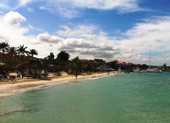 Sandals Montego Bay: The Beach