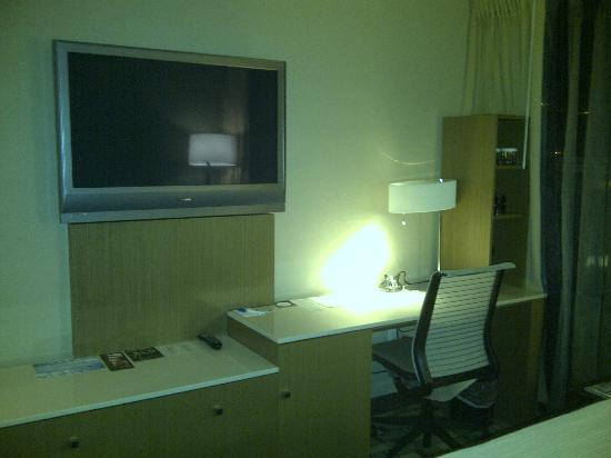 Hotel Fifty: TV, channels are not HD