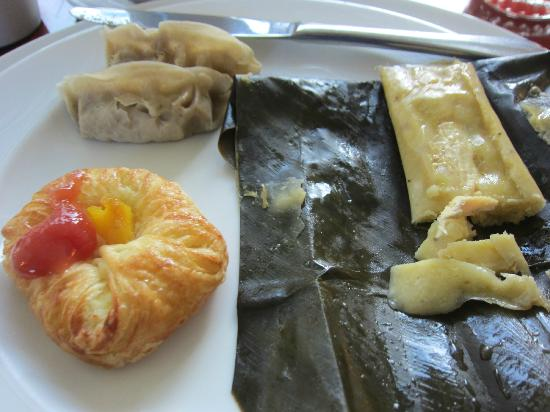 JW Marriott Hotel Quito: Dim Sum, tamales, with croissant at breakfast