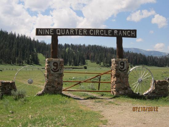 Nine Quarter Circle Ranch: the old entrance