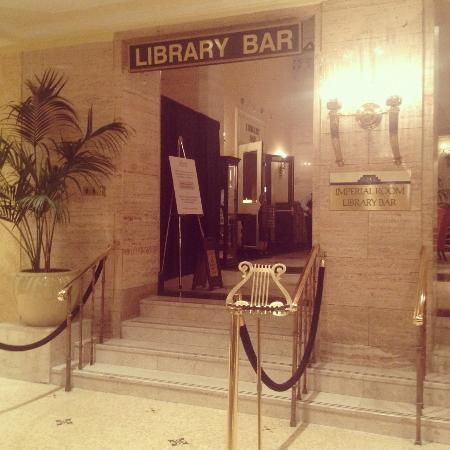 sandwiches picture of library bar the royal york hotel. Black Bedroom Furniture Sets. Home Design Ideas