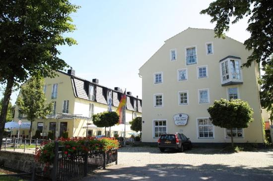 Photo of Hotel Zur Post Ismaning