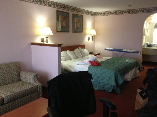 Baymont Inn Killeen: King bed room