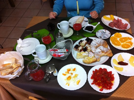 Divina Costiera: Breakfast