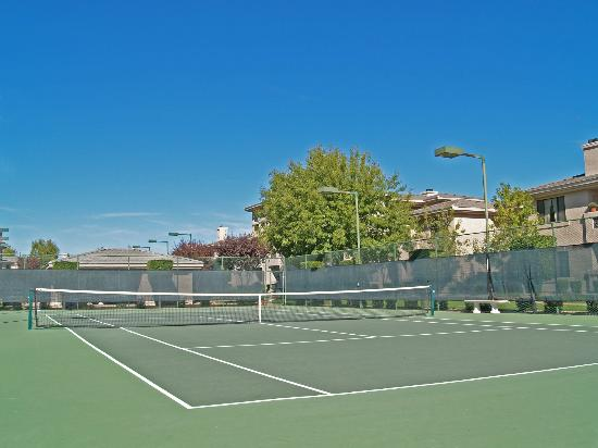 Meridian CondoResorts: Tennis Courts for Guest Use