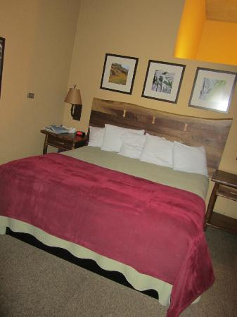 Yosemite Lodge At The Falls: Birch- King Bed