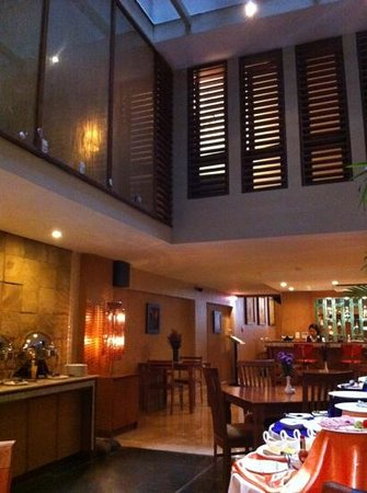 Serenade Hotel: restaurant at ground floor