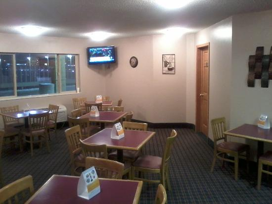 Rodeway Inn: Another View Of Breakfast Area