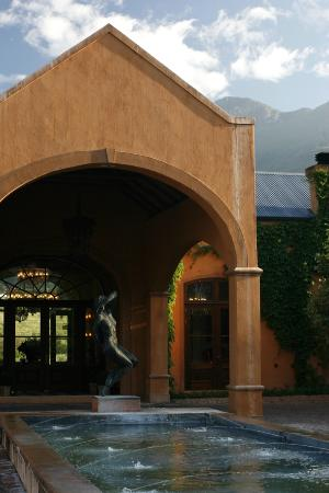 The entrance to La Residence Hotel.