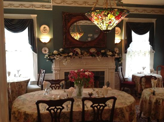 A B&B at The Edward Harris House Inn and River Cottage : Dining Room