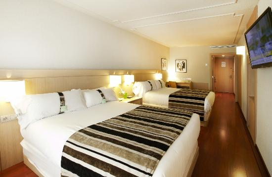 Holiday Inn Andorra : Habitacin con doble cama Queen Size 