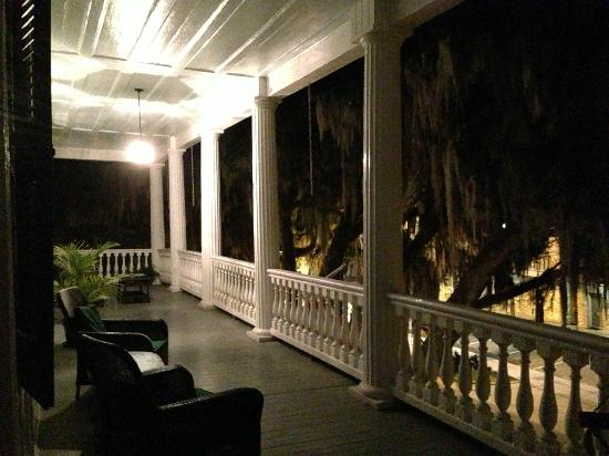 The Rhett House Inn : Porch