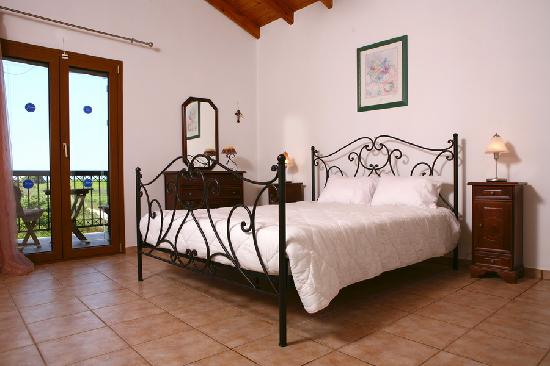 Kastos Island, Grecia: Masrer Bedroom