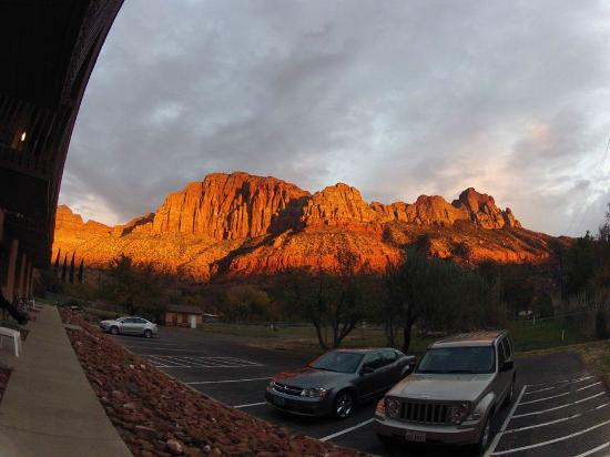 Bumbleberry Inn: Sunset on The Watchman - from room patio