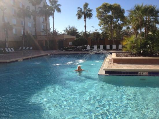 Fairfield Inn Orlando Lake Buena Vista in the Marriott Village: lovely weather