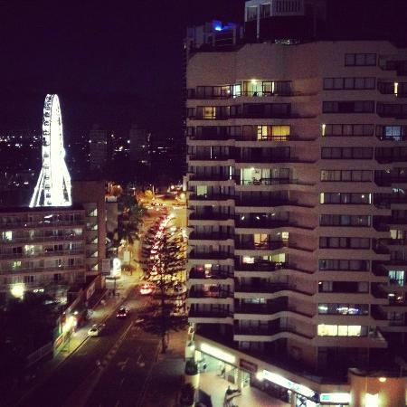 Hotel Grand Chancellor Surfers Paradise: View from north standard room!