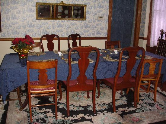 Beauclaire's Bed and Breakfast: Beautiful dining room