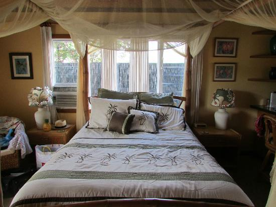 Kauai Cove Cottages: Comfy bed