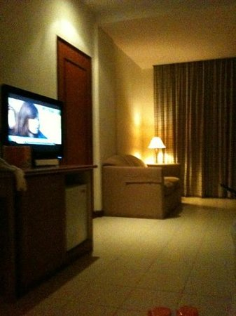 HARRIS Resort Batam Waterfront: room 112 living room
