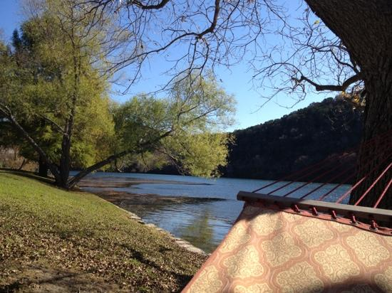 Lake Austin Spa Resort: lakeside hammock