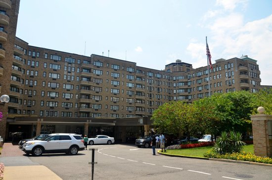 Omni Shoreham Hotel: A Outside view of the Hotel