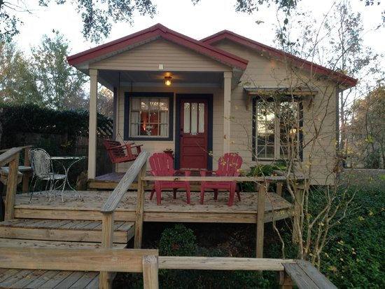 301 moved permanently for Cajun cottages