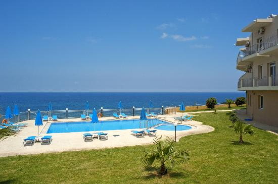 Renieris Hotel: Pool view