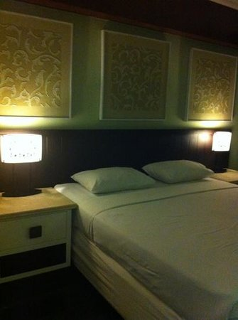 Maharani Beach Hotel: Cozy Room