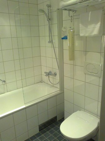 Radisson Blu Hotel Uppsala: Bathtub