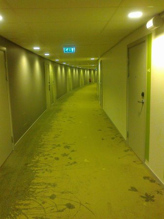 Radisson Blu Hotel Uppsala: The hallway outside the rooms