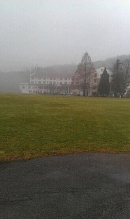 The Shawnee Inn and Golf Resort: the view from the Delaware