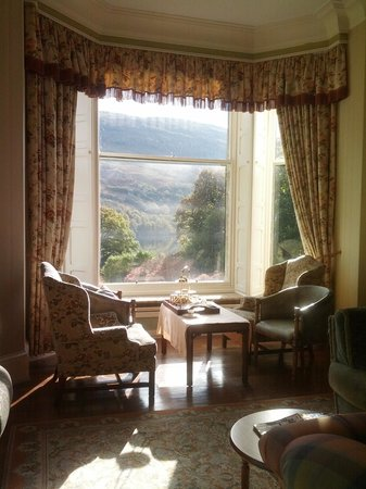 Glengarry Castle Hotel: High tea in library/drawing room