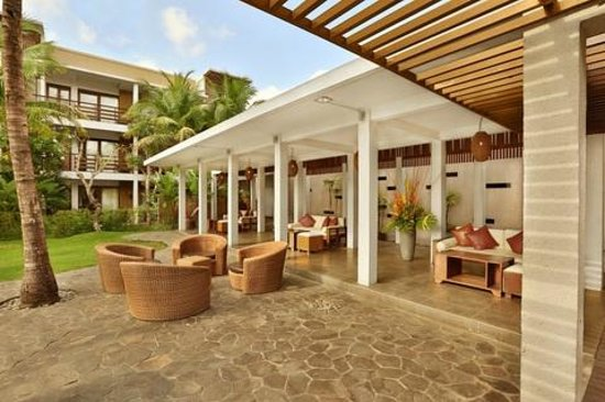 Kokonut Suites: Pool Lounge (now breakfast take place here during renovation of Suka Suka Restaurant)