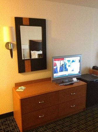 Fairfield Inn &amp; Suites Melbourne Palm Bay/Viera: the tv is bigger than it seems. probably a 27&quot;