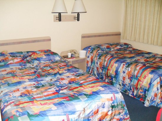 Motel 6 Weed - Mount Shasta: The room