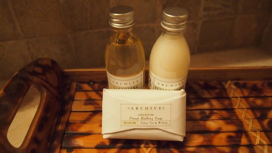 Lost Iguana Resort & Spa: LOVE when resorts have fabulous bath products