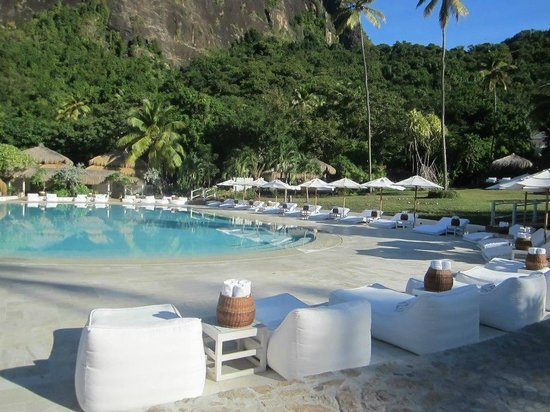 Sugar Beach, A Viceroy Resort: Main pool