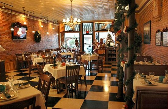 North Vernon, IN: Main Dining Room open for breakfast, lunch &amp; dinner