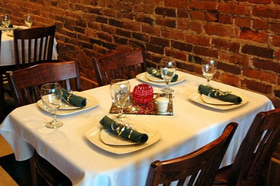 North Vernon, IN: The Downtown Bed &amp; Breakfast offers fine dining in its own White Front Cafe.