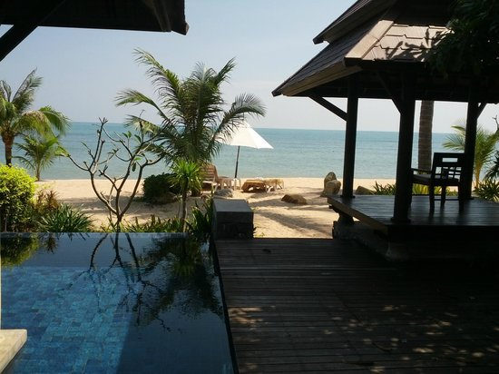Nora Beach Resort and Spa: Sunny view from our Villa