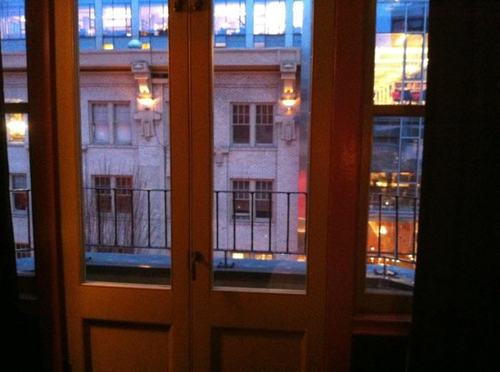 Crystal Hotel: Beautiful Balcony Doors