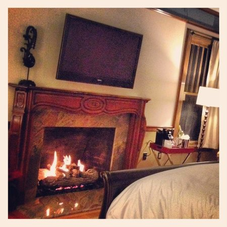 Blackwell Hotel: Modern conveniences meet old fashioned charm!