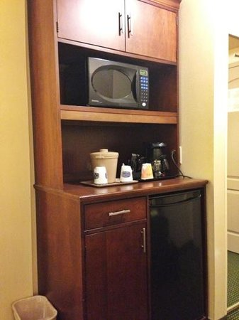 Fairfield Inn & Suites Toronto Airport: Micro/Fridge