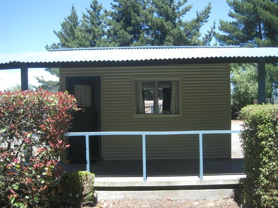 North South Holiday Park: Deluxe Standard Cabin