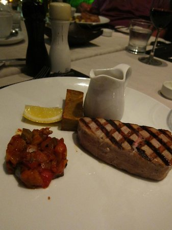 Abacus Restaurant, Garden & Bar: Tuna