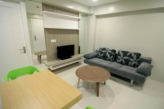 Zpad Residences: Living room